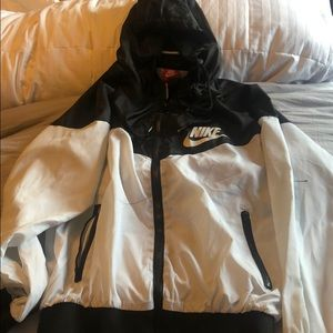 Black and white nike windbreaker!